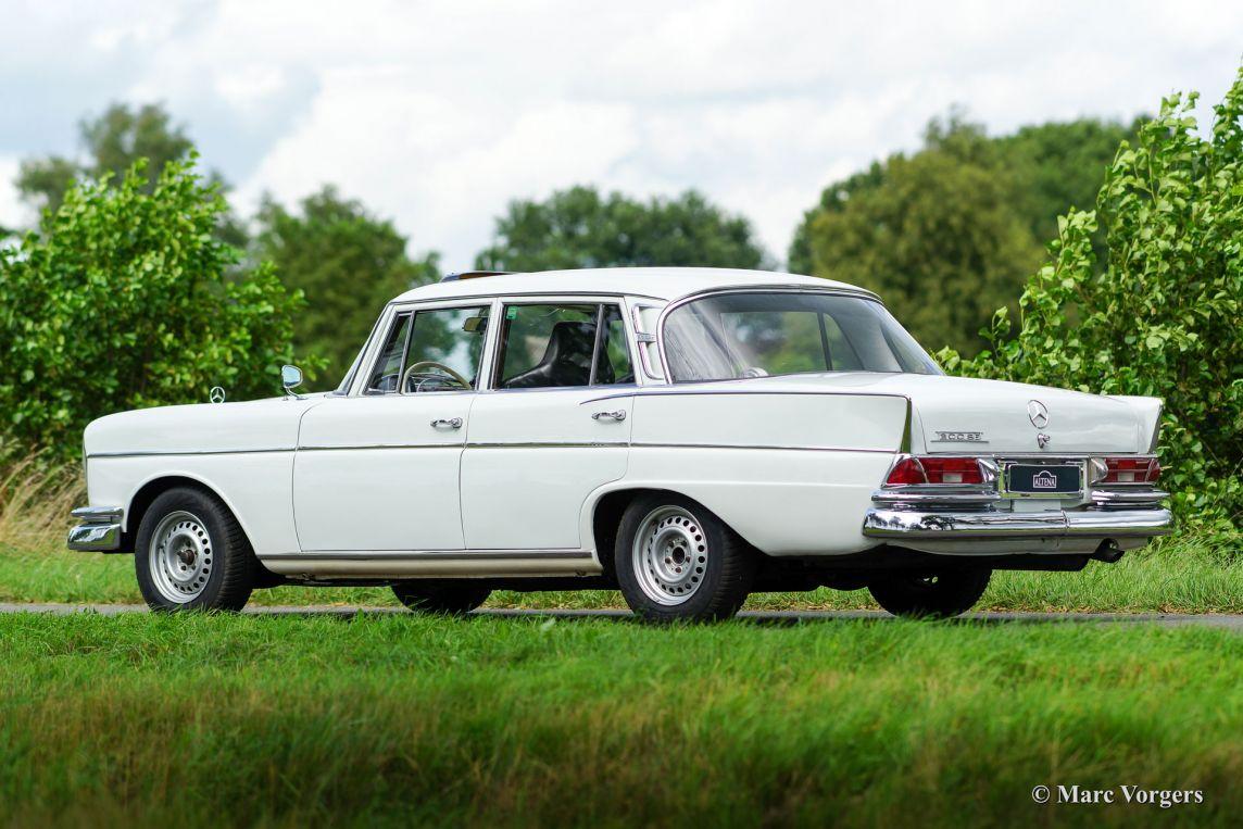 Mercedes benz 300 se rally 1962 classicargarage nl for Garage mercedes paris 13
