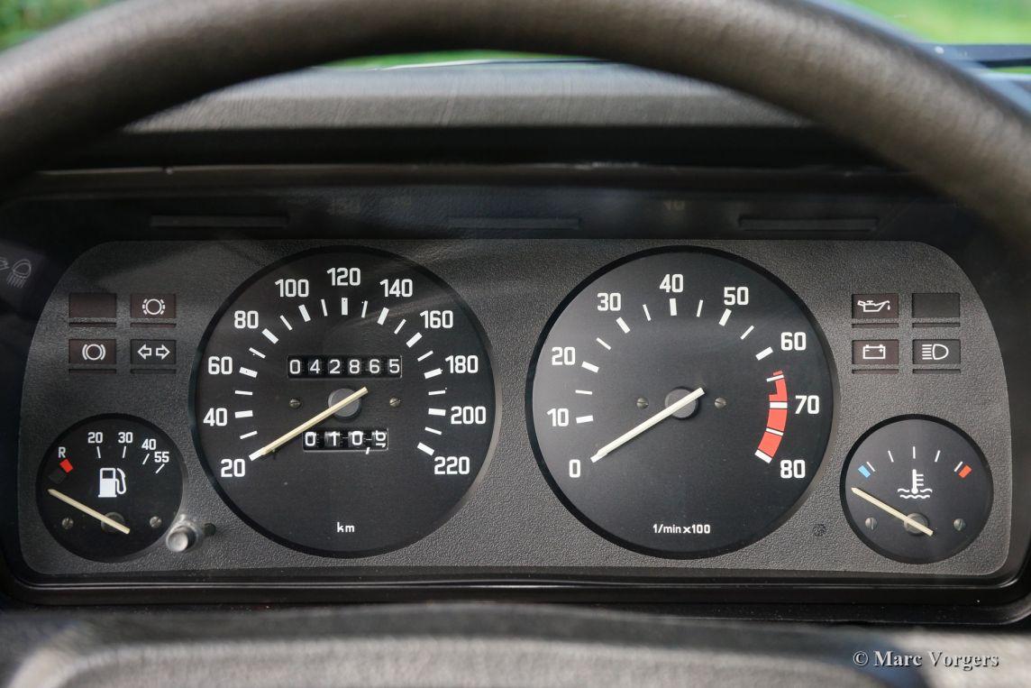 Bmw I E Polaris Fc B A on 2000 Bmw 323i Interior