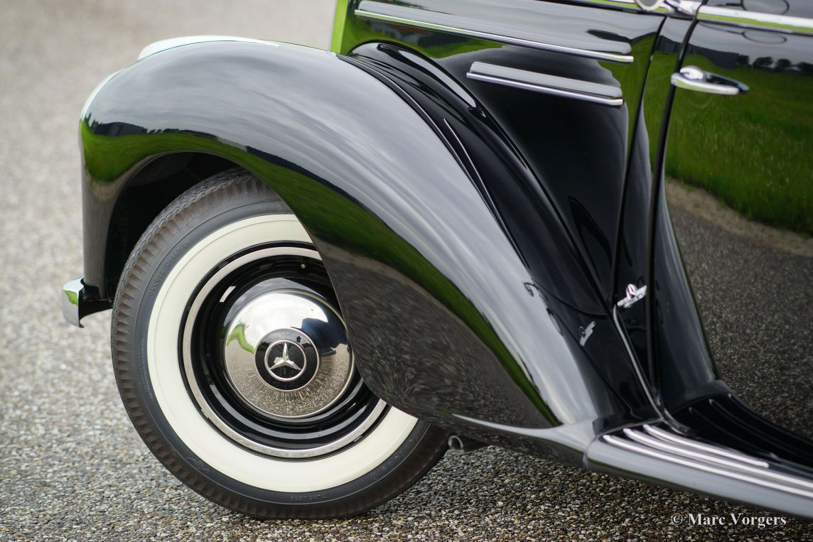 Mercedes benz 220 limousine 1952 classicargarage nl for Garage mercedes 93 bondy