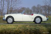 MG MGA Twin-Cam roadster, 1958