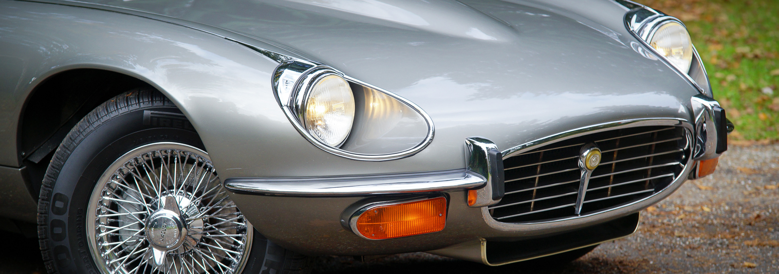 Jaguar-E-type-V12-roadster-1971-11.jpg